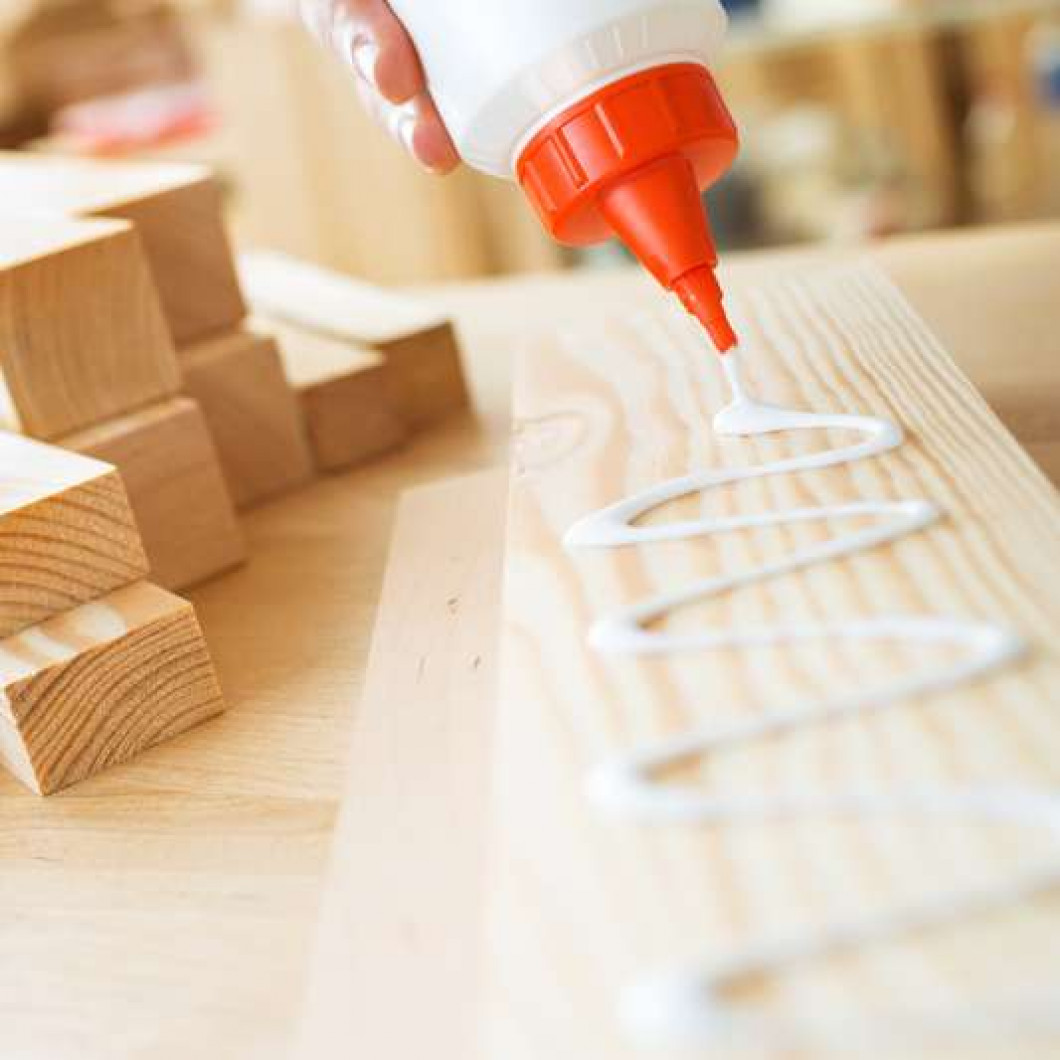 Why are so many craftsmen stuck on wood glue?